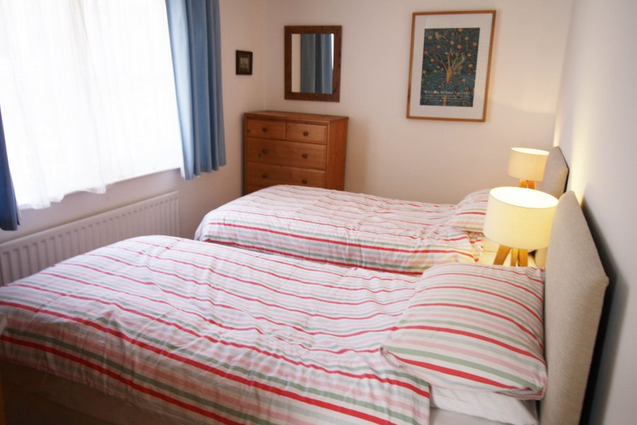 3ft twin beds  or SuperKing double       (rqst in advance)