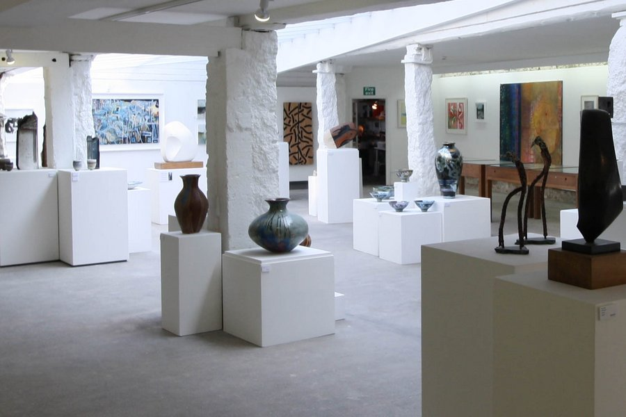 Penwith Gallery: Largest collection within 2mins walk
