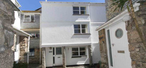For a holiday by the sea take a holiday let in St Ives, Cornwall